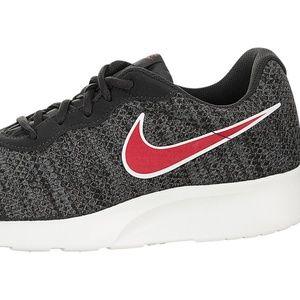 NIB. Nike Tanjun Premium.